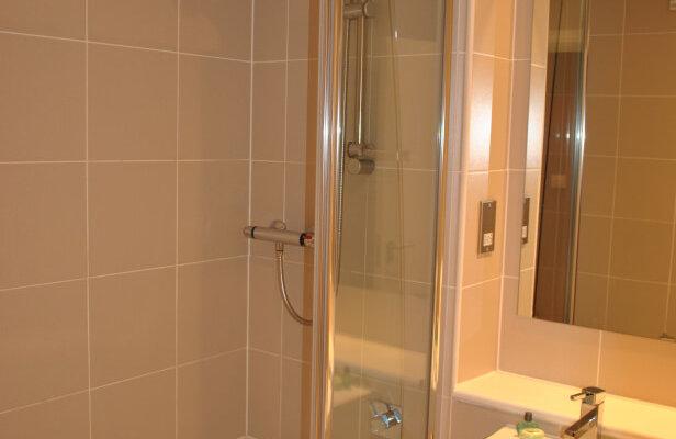 Glasgow City Centre Bathroom