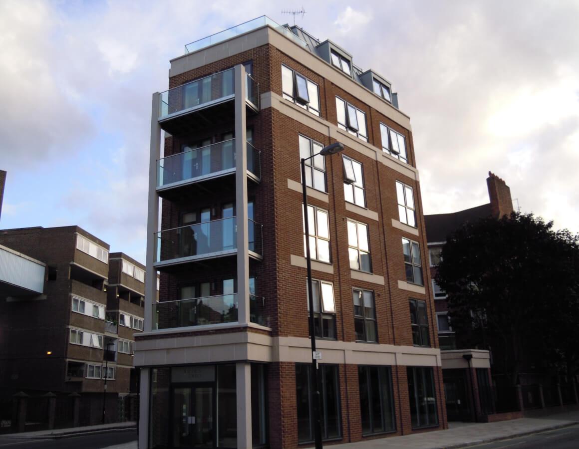 London City (Cyrus Street) Exterior