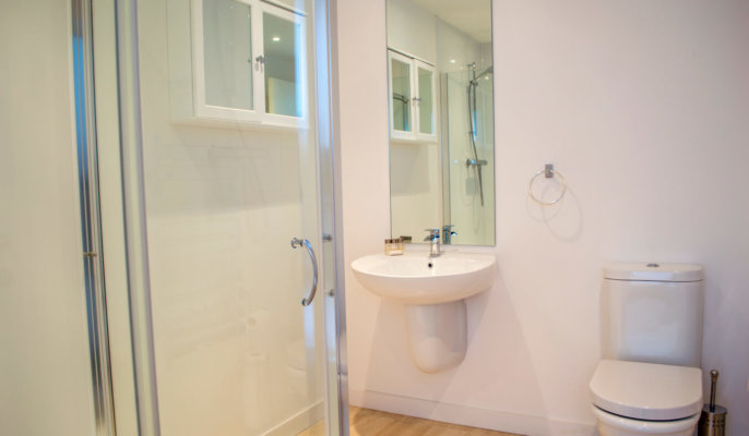 Great Northern Road Serviced Apartments Bathroom