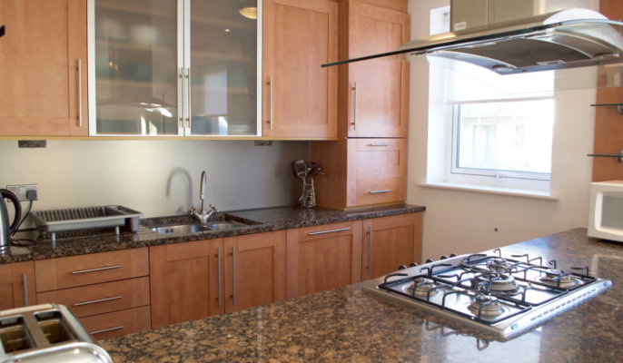 Holyrood Serviced Apartments Kitchen