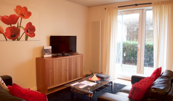 Holyrood Serviced Apartments Living Room