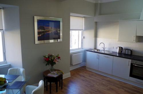 Saint Vincent Street Apartments Glasgow Kitchen Area